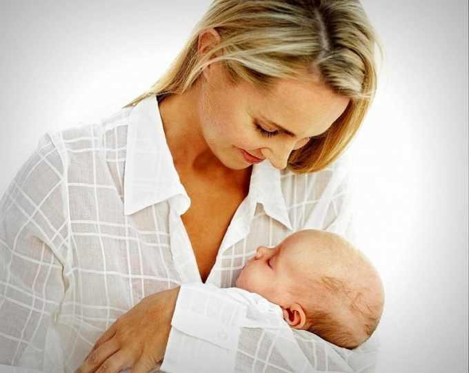 Счастливая мама с ребёнком
